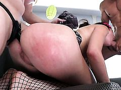 Alan Stafford explores the depth of eye-popping Aiden Starrs throat with his sausage