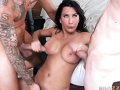 Lezley Zen gets into a threesome