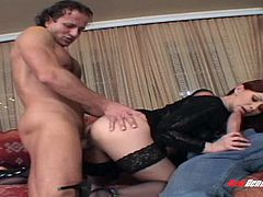 Super sexy bruntte MILF called Natali pleases two lucky bastards (MMF)