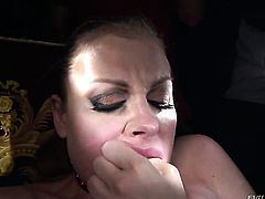 Sovereign Syre gets her muff eaten to orgasm by Bailey Blue in lesbian action