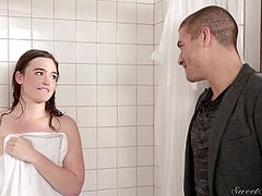 Xander likes to take his showers early in the morning. But with just one bathroom in the house, Jodi and him often end up fighting for a spot. But this time around they did not fight. Xander kissed his girl Jodi and made sure he took her from behind. Sexy babe knows what her man likes and takes his wet dick in her mouth.