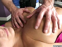 With big ass gives giving oral pleasure to her horny bang buddy
