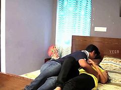 Desi Gf Nude at Home Get Seduced BY Lover