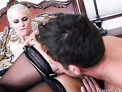 Johnny Castle whips out his tool to fuck Phoenix Marie with juicy booty and trimmed muff