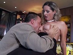 Awesome Euroepan slut Daria gets fucked on the bar