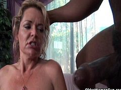 Soccer milf Kelly Leigh gets facial