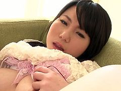 Buxom Japanese babe Jun Mamiya riding big sex toy in arousing solo video