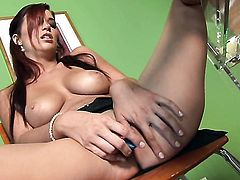 Jayden Cole is too horny to stop fingering her bush
