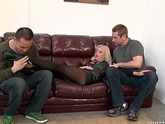 Watch as this blonde tranny beauty gets her massice pecker sucked off by two horny men. These guys have no problem sharing this huge piece of meat, since Joanna is so stunning. One of the guys licks her cock head, while she teabags the other.