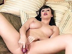 Jennifer White is in the mood for pussy stroking