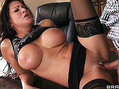 Teri Weigel needs nothing but Keiran Lees hard sausage in her wet hole to be satisfied