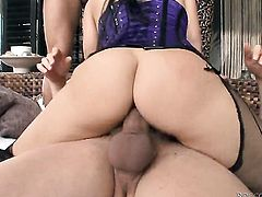 Mike Angelo seduces into fucking and shoves his toolin her backdoor
