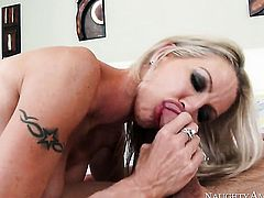 Oriental Emma Starr and hard cocked guy Johnny Castle are in the mood for fucking