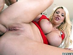 Courtney Taylor with juicy bottom gets her muff trained by mans rock solid boner