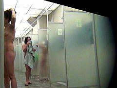 Hidden Spy Camera Films Nude Women In Showers