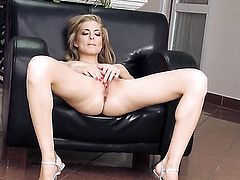 Solo girl is jacking off here