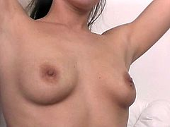 Brunette with nice rack has wild orgasm with sybian