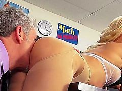 Riley Steele is a blonde with a ravishing body and shes wearing some stockings and her school girl outfit that looks like lingerie. She loved this school girl sex time