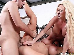 Keiran Lee makes Leigh Darby with big melons suck his beefy worm non-stop