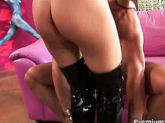 Jenna Presley just needs her overwhelming sexual desire to be fulfilled badly