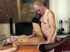 Blonde Vanda Lust and her horny fuck buddy are in the mood for oral sex