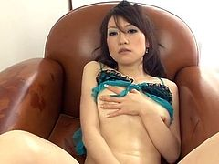 Ryo Kaede shows off in sleazy Japan solo show