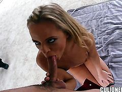 Vanda Lust places her around the pole and then moves it up and down
