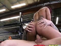 Cody Sky attacks sexy bodied Skin DiamondS mouth with his love torpedo