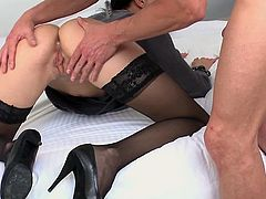 Visit official Elegant Raw's HomepageAliz, sweet bimbo in office costume, spreads legs for her boss's dick and endures anal sex until the very last drop of jizz blasting her needy face