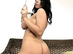 Laura Lion with juicy jugs proves that her body is just amazing as she masturbates in her bare skin