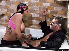 Danny Mountain shoves his rod in fuck hungry Jenna Presleys mouth
