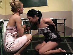 Blonde Carrmen is too hot to stop lesbian love session with pussy-hungry Nikky Thorne