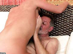 Brunette gags on hard worm of hot fellow