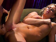 Carolyn Reese sucks like theres no tomorrow in steamy blowjob action with hot fuck buddy