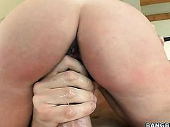 Brunette Hillary Scott feels intense sexual while jacking dude off