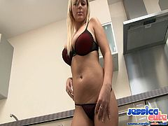 Sexy big boobs babes takes on her clean pussy