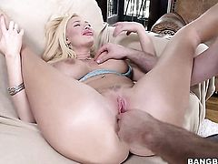 Milf Summer Brielle with big butt is horny as hell and gives tugjob with wild enthusiasm