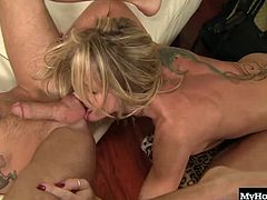 Simone repays the favor by offering up her tongue for some anal pleasure.