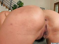 Brunette Charley Chase loves deep pussy slamming