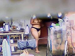 Big Ass Indian Aunty Caught Bathing on Spycam - Voyeur