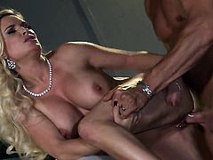 Diamond Foxxx gets mouth drilled by guys rock solid meat stick