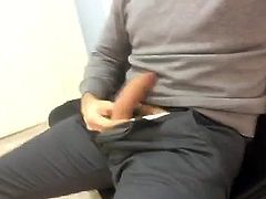 Str8 in a doctor waiting room