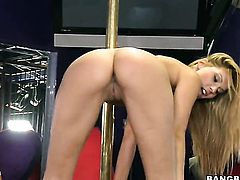 Blonde Cindy Hope with juicy bottom asks her fuck buddy to shove his rock hard love stick in her mouth