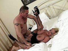 David Perry gets turned on by Sharon Pink and then drills her mouth