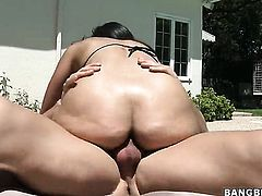 Brunette senorita hottie Cassandra Cruz with juicy ass is horny as fuck after getting her hands bang