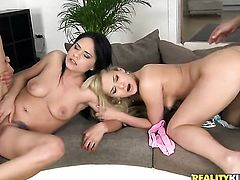 Blonde Kelly White is too horny to resist Aida Sweets love tunnel and gives it a lick