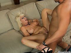 Sex crazed goddess Sindi Star with bubbly butt and hairless snatch just needs her overwhelming sexual desire to be fulfilled very badly in sex action with Rocco Reed