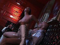 Brandy Aniston has blowjob experience of her lifetime with hard cocked dude