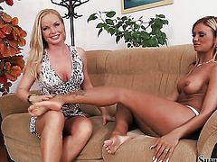 Silvia Saint and Ashley Bulgari finger each others muff pie like theres no tomorrow in lesbian action