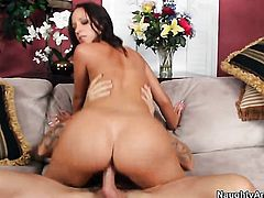 Alan Stafford plays with soaking wet twat of Jada Stevens with big ass and hairless beaver before he bangs her hard